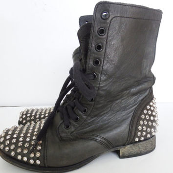 steve madden boots - steve madden shoes - studded boots - black boots - 90s grunge - 90s grunge clothing - 90s grunge boots