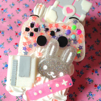 Decoden Kawaii Gamer Playstation Nintendo Wii Bunny Companion Cube Resin Whipped Cream iPhone 5/5s Cell Phone Case
