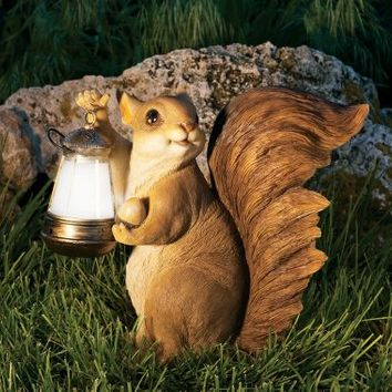 Squirrel with Lantern Light Forest Friends Solar     LED Light