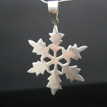 Snowflake Pendant Sterling Silver Winter Jewelry 925