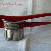 Vintage Potato Potatoe Ricer Masher Kitchen Press Utensil Pureed Food