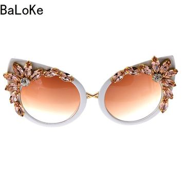 2018 Baroque Style Fashion Women Cat Eye Crystal Sunglasses Decoration Retro Sunglasses Bling Rhinestones Women Sun Glasses