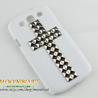 Cross Silvery Stud Pyramid And White Hard Case Cover For Samsung Galaxy S3 i9300 MB665