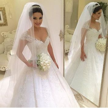 Lace Deep V Neck Ball Gown Wedding Dresses Vintage Robe De Mariage Beaded Luxury Wedding Gowns Bridal Bride Dress China