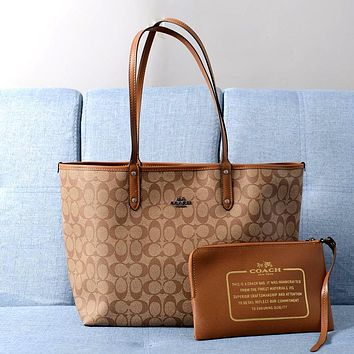 COACH 2019 new double-sided single-shoulder handcuffs shopping bag two-piece brown