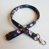Floral Lanyard / Flowers / Keychain / Daisies / Key Lanyard / ID Badge Holder / Flower Keychain