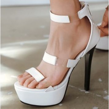 The new high-end platform high-heeled sandals shoes