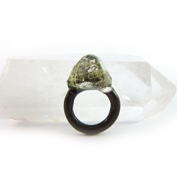 Lichen Moss Terrarium Resin Ring • Size 5 • Eco Resin Ring • Asymmetrical Unusual Ring • Faceted Resin Terrarium Ring • Nature Resin Ring