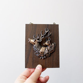 Mounted Buck Deer Wall Art Plaque - Vintage Wood Mount Faux Taxidermy Trophy Head Antlers