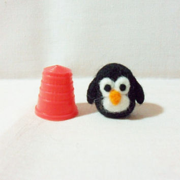 Needle Felted Penguin - miniature penguin - 100% merino wool - micro animal - wool felt penguin