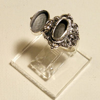 Poison Ring size 6 1/2 Vintage Silver Locket Ring - Delicate Compartment Ring, Snuff Ring, Pill Box Ring Downton Abby