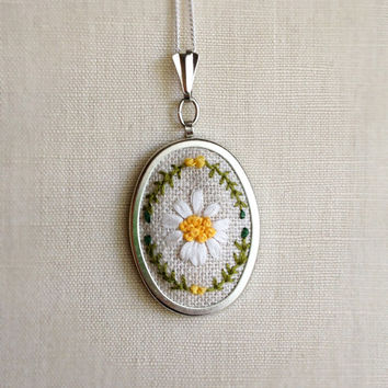 Silk Ribbon Embroidery Embroidered Necklace White Gerbera Flower Daisy Pendant