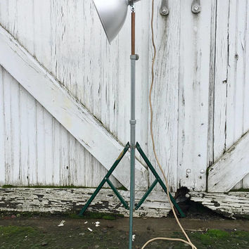Mid Century Floor Lamp, Tripod Floor Lamp, Industrial Floor Lamp, Photography Lamps, Vintage Tripod Lamp, Smith Victor, Studio Floor Lamp
