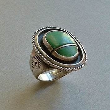 OLD PAWN Vintage Native American Navajo Ring LARGE Green Turquoise Scarab Shape Sterling Silver Stampwork 15.2 Grams Size 10 c.1930s