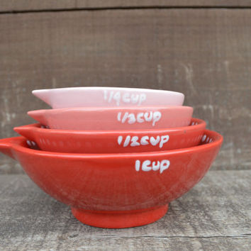 Shades of Red and Pink Nesting Ceramic Measuring Cups - Ombre - 1 Cup, 1/2 Cup, 1/3 Cup, 1/4 Cup