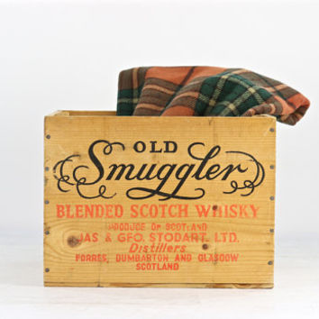 Old Smuggler Scotch Whiskey Wood Crate, Vintage Whiskey Wood Crate, Scotch Whiskey Wood Crate, Industrial Decor