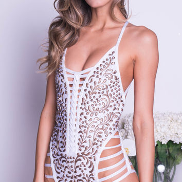 DOKA BANDAGE MONOKINI IN WHITE WITH GOLD