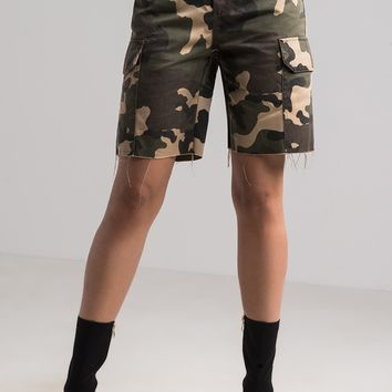 AKIRA High Rise Mid Thigh Length Shorts in Green Camo