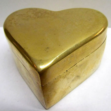 Vintage Brass Heart Shaped Trinket Box / Jewelry Box / Keepsake Box / Paperweight