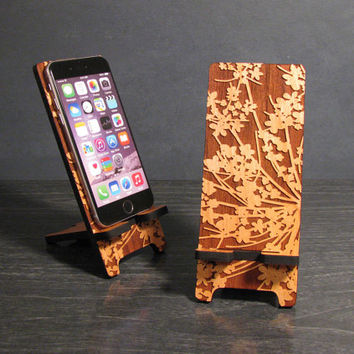 iPhone 6, iPhone 6 Plus, iPhone 5 or iPhone 4, Samsung Galaxy Phone Stand Docking Station - Wood Lace Flower - Universal Smart Phone Stand