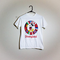 Vintage  Mickey Mouse Disneyland Tee! Womens Size Small