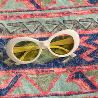 Vintage Retro 90s Mod Round Shape White Sunglasses With Yellow Lenses Kurt Cobain Style