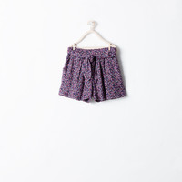 LOOSE-FIT FLORAL SHORTS