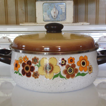 FREE SHIPPING - Cooking Pot/Enamel Cooking Pot/Retro Pan/Vintage Pan/1970's Pan