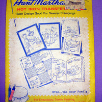 "Aunt Martha's ""The Bear Family"" Hot Iron Transfer Pattern 3726 for Embroidery, Fabric Painting, Needle Crafts"
