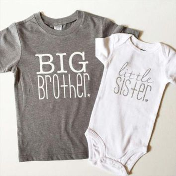 Cute Kids Big Brother T-shirt and Baby Girls Little Sister Bodysuit Romper Matching Outfits