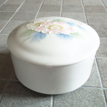 Otagiri Peony trinket box jewelry box powder jar with pink white flowers - Wedding favors bridal-shower favors - Japan