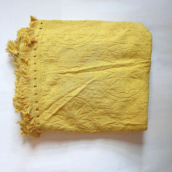 Vintage yellow Chenille Bedspread with circle design / Queen size