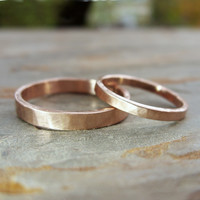 Hammered Matching Wedding Band Set in Solid 14k Yellow or Rose Gold: Flat Bands in 2mm and 3mm in Polished or Matte Finish