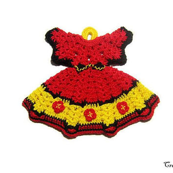 Crochet dress potholder, small Red and Yellow crochet potholder, handmade potholder, presina vestito