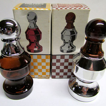 Set of 2 Vintage Avon The Pawn Chess piece Decanters / Bottles, with original boxes, Bottles are both Empty
