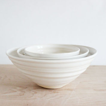 Nesting bowl set, white modern ceramic pottery dishes, handmade serving bowls