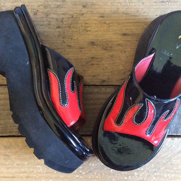 1990's Chunky Clunky Grunge Flame Rave Club Kid Slip on Platform Wedges// Size 8