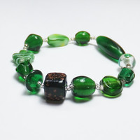 Kelly Green Glass Stretch Bracelet