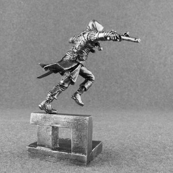 Assassin Edward James Kenway Action Figures 1/32 Scale Assassin's Creed Collection 54mm Tin Metal Miniature Figures Statuette