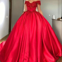 romantic ball gown wedding dresses 2017 red appliques lace satin cap sleeve bridal gown marry party gown vestido de noiva