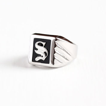 Vintage Sterling Silver Letter S Signet Ring - Retro 1960s Size 6 1/2 Initial Monogram Simulated Black Onyx Glass Signed Uncas Jewelry