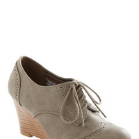 On the Wingtip Wedge | Mod Retro Vintage Wedges | ModCloth.com