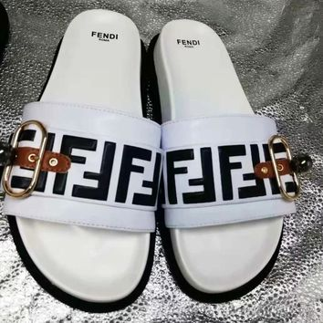 Fendi new street fashion men and women models non-slip word casual sandals and slippers white