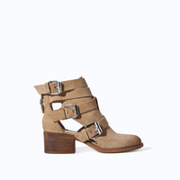 SUEDE LEATHER BLOCK HEEL ANKLE BOOT