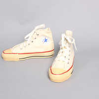 80s Boy's CHUCK TAYLORS SNEAKERS / Deadstock Converse Hi-Tops, 13