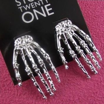 Punk Fashion Accessories Cool Gothic Skull Earrings Hand Rock Gothic Skull Jewelry