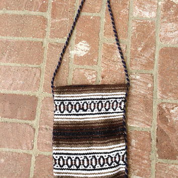 Vintage 60s Southwestern // Handmade Knit Woven Baja Crossbody Bag // Brown Tan Navy Cream // Festival // Medium Size