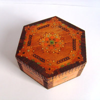 Vintage box, wooden box, handmade box, hand painted box, jewelry box, oriental, pyrography, octagon
