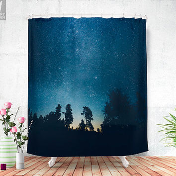 Follow the stars Shower curtain