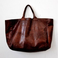 brown leather bag, elongated shape, VDC for la Liane